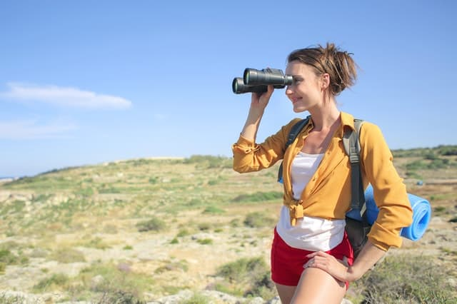 how to choose best binoculars for the money